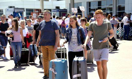 Antalya 8 Milyon Turisti Geçti