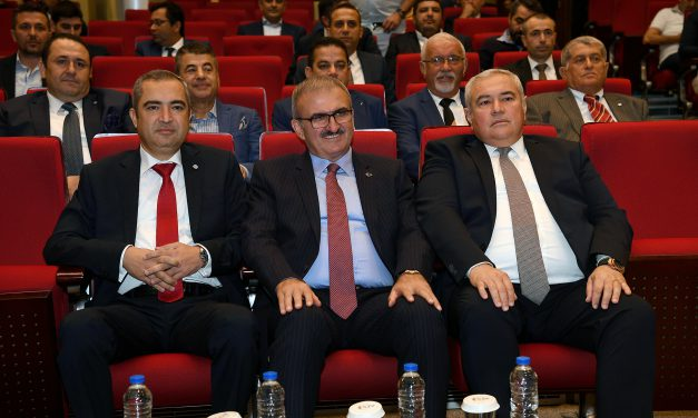 Vali Münir Karaloğlu, ATSO Meclisi'ne Konuk Oldu