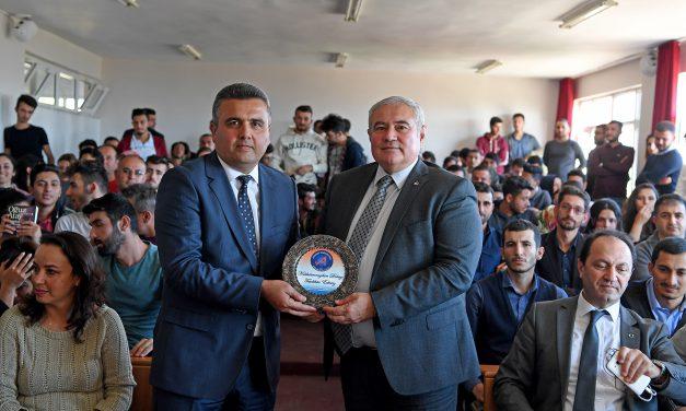 Başkan Davut Çetin'den Gençlere Tavsiye