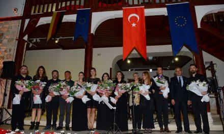 """Avrupa Günü'nde""""Antalya'nın Evrensel Tınıları"""" Yankılandı"""